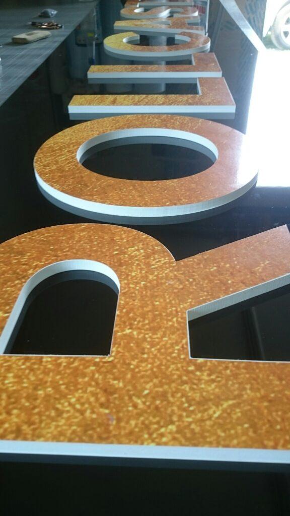 T-REX drukarnia agencja reklamowa, litery przestrzenne 3D